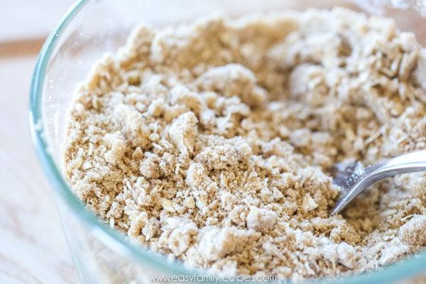Apple Cinnamon Muffins Crumb Topping