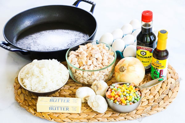Ingredients needed to make easy chicken fried ricec